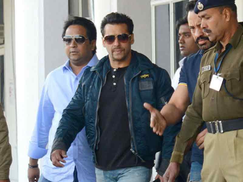 Video : <i>Qaidi Number 210</i>, Starring 'Salman Khan'