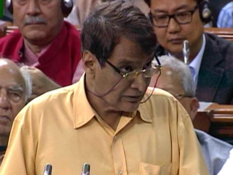 Videos : स्पीड न्यूज : सुरेश प्रभु ने कहा, रेल यात्रियों की संतुष्टि सबसे अहम