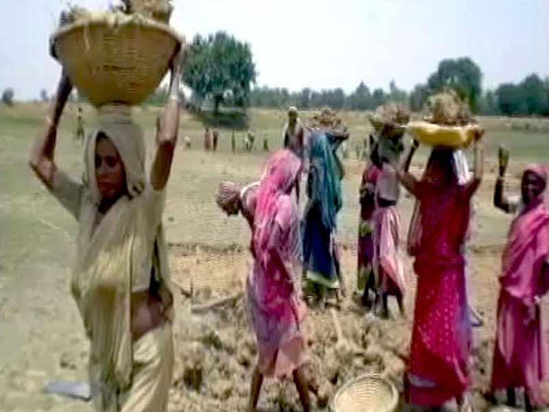 Video : Arun Jaitley In Budget Speech: 'Rs 38,500 Crore Allocated To MNREGA'