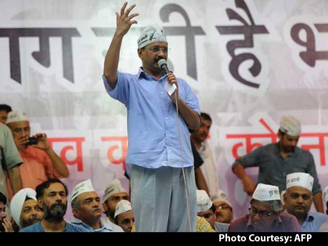 Video : It Took a Court Hearing to Bring Yogendra Yadav and Arvind Kejriwal Together