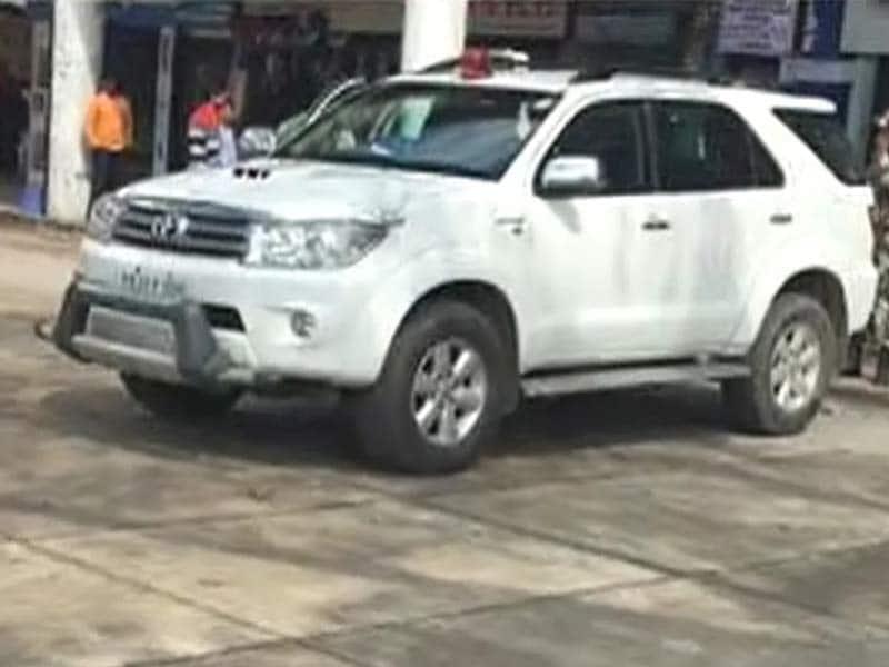Videos : नो पार्किंग में गाड़ी खड़ी करने पर बिट्टा का कटा चालान