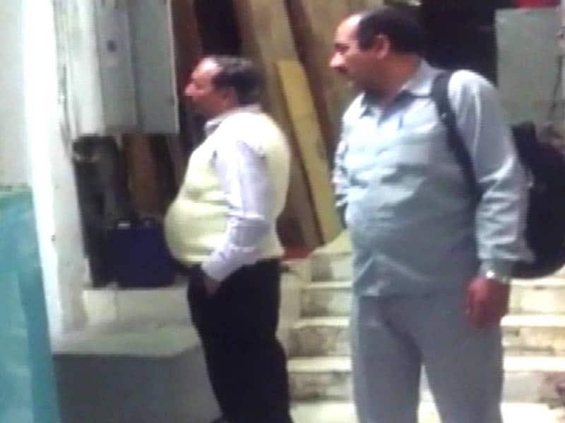 Video : New Corporate Espionage Case Involves Finance Ministry, CBI Raids in Delhi, Mumbai