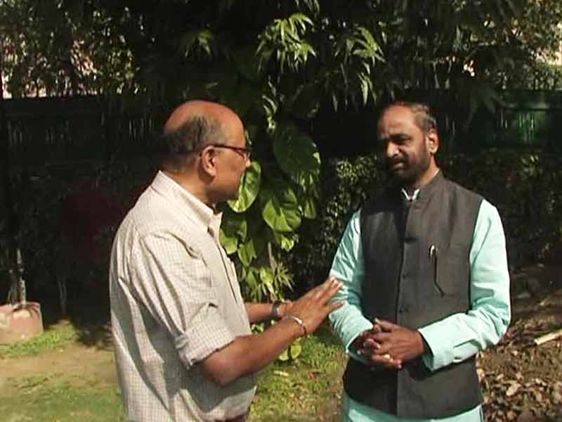 Video : Walk The Talk With Hansraj Ahir