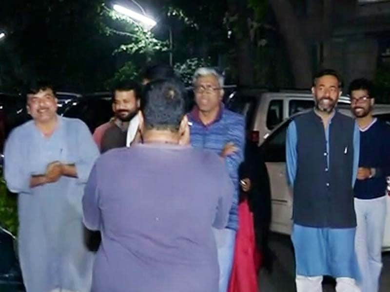 Video : In AAP Leaders' Midnight Meeting With Yogendra Yadav, Signs of a Truce