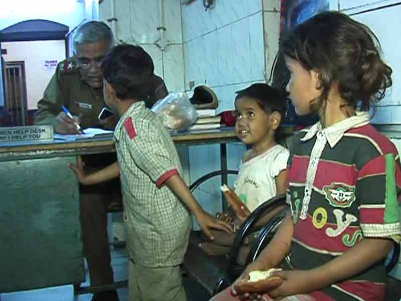 Video : 3 Children Abandoned At New Delhi Railway Station Found Thanks to Twitter