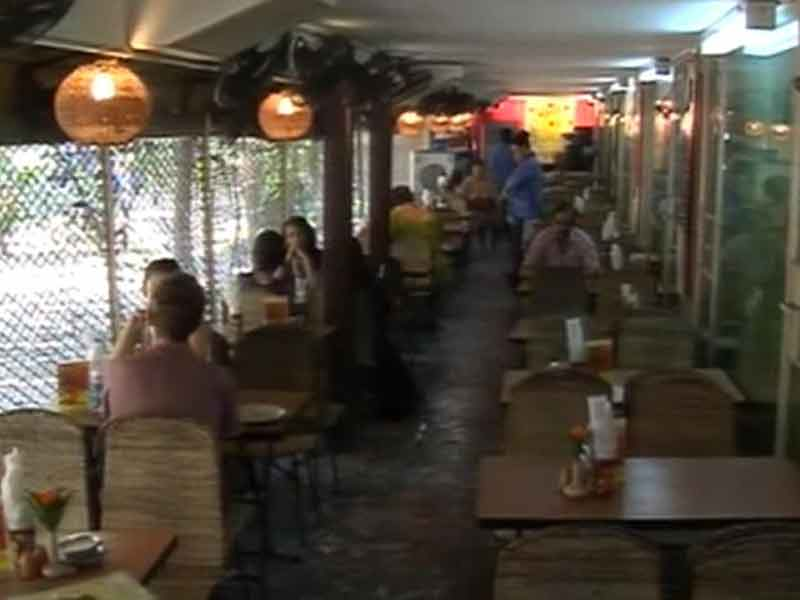 Video : South Mumbai's Beloved Cafe Samovar Set to Shut at the End of March