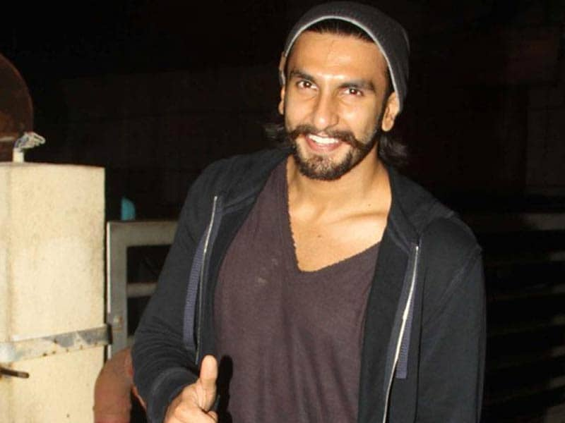 Video : Ranveer Singh Resumes Work Despite Injury
