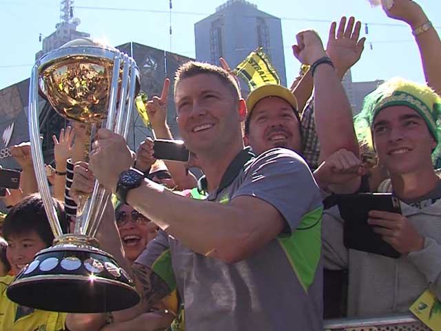 Video : Australia Celebrate Cricket World Cup Victory in Melbourne