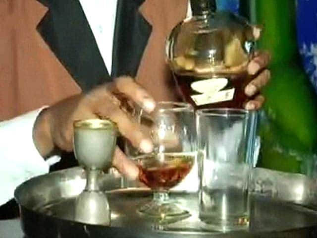 Video : Kerala High Court Upholds Liquor Policy, 24 Five-Star Hotels to Serve Alcohol