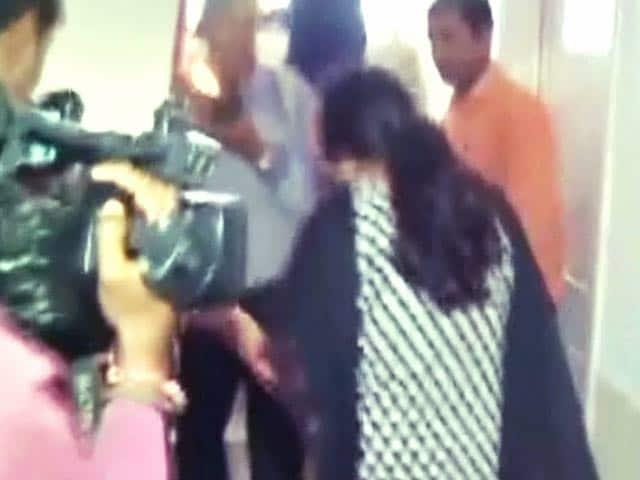 Videos : फर्जी IAS बनकर छह महीने तक रुकी रही ट्रेनिंग एकेडमी में
