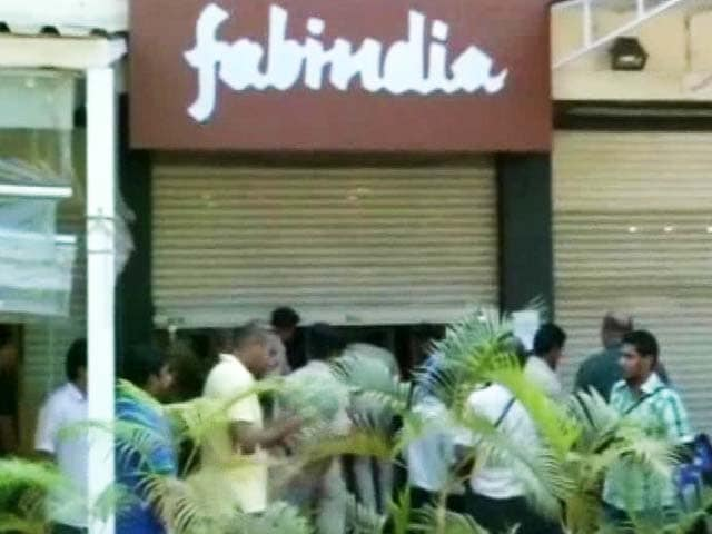 Video : Smriti Irani Case: 4 Fabindia Employees Granted Bail, Senior Executives Likely to be Quizzed