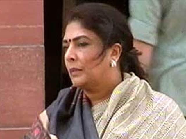 Videos : संदीप दीक्षित के बयान का रेणुका चौधरी ने किया समर्थन
