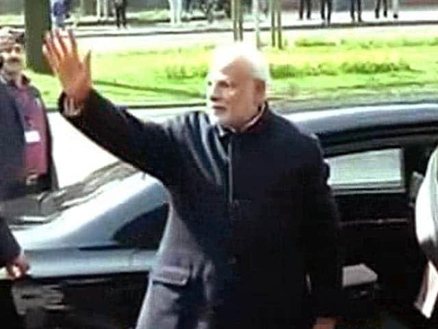Video : पीएम पहुंचे जर्मनी, भारतीय छात्रों ने लगाए 'मोदी-मोदी' के नारे