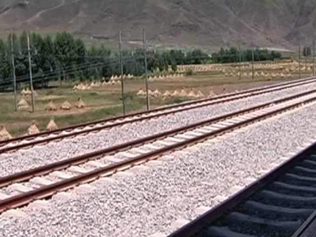 Videos : माउंट एवरेस्ट को भेदकर नेपाल तक रेल पहुंचाने की तैयारी में चीन