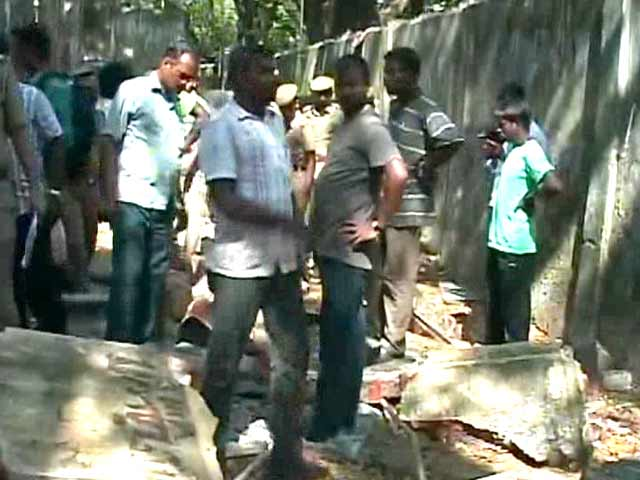 Video : 2 Chennai Girls Killed in School Wall Collapse