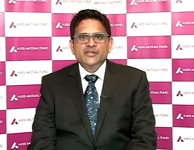 Video : Bond Funds Expected to Perform Well: Axis MF