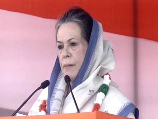 Video : 'BJP is Conspiring Against Farmers,' Says Sonia Gandhi at Mega Delhi Rally