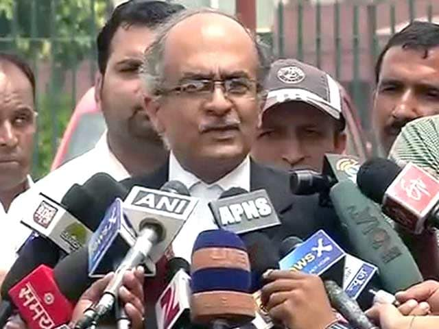 Video : AAP Rebel Prashant Bhushan's Stinging Reply to Show-Cause Notice