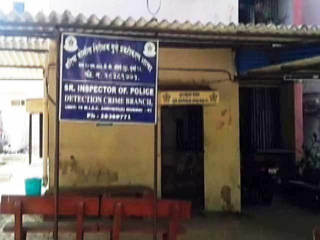 Video : मुंबई : थाने में मॉडल से रेप, छह गिरफ्तार