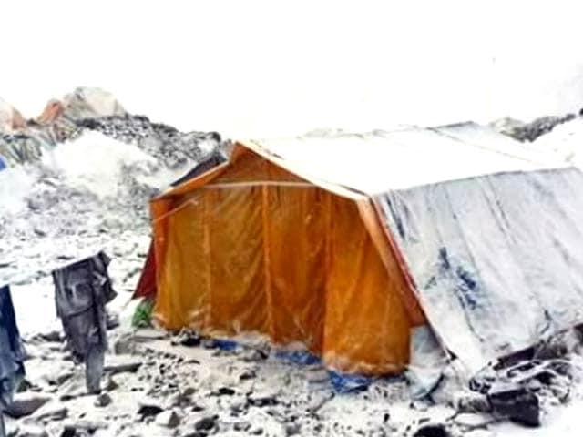 Video : भूकंप की वजह से एवरेस्ट के बेस कैंप में फंसे भारतीय