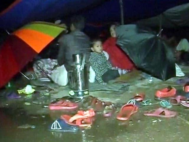 Video : Nepal Earthquake: Kathmandu Moves Out Into Tents