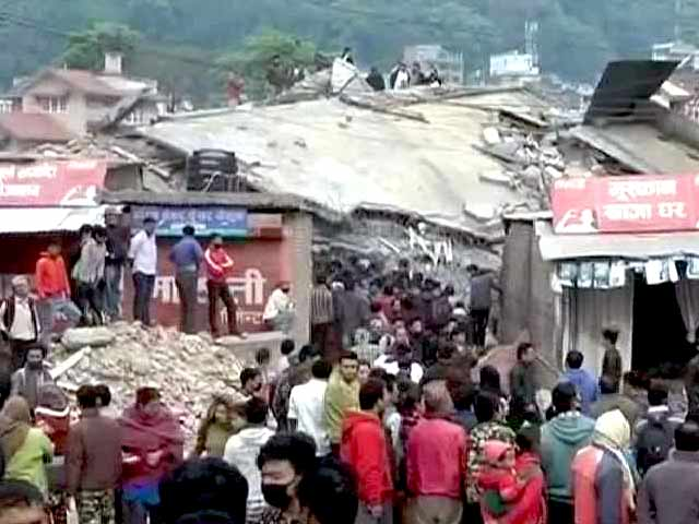 Video : Over 5,000 Dead in Nepal Earthquake; Desperation for Aid in Remote Areas Grows