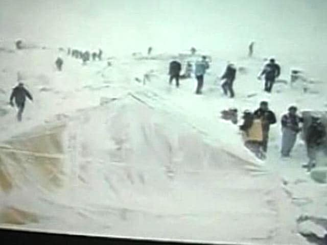 Video : First Came The Sound. Then The Avalanche Struck The Everest Base Camp, Recounts NDTV Team
