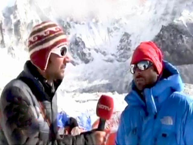 Videos : भूकंप के दौरान एवरेस्ट बेस कैंप पर था NDTV, देखें खास रिपोर्ट