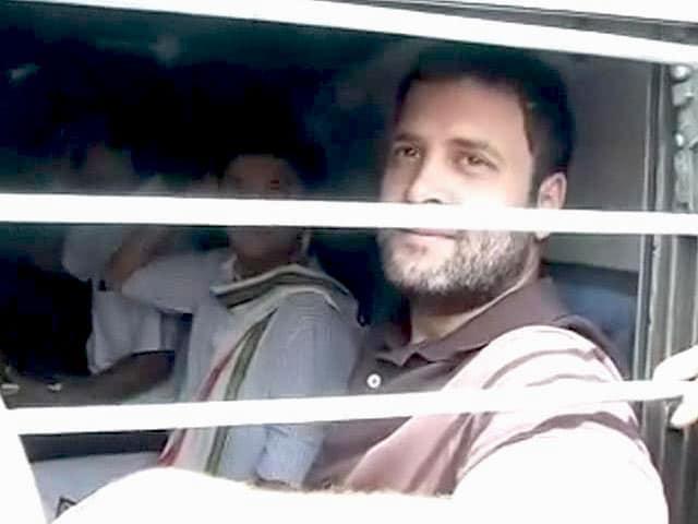 Videos : ट्रेन की जनरल बोगी से पंजाब चले राहुल गांधी