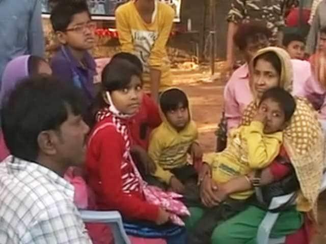Videos : नेपाल से लौटते लोगों के लिए बिहार के रक्सौल में राहत कैंप