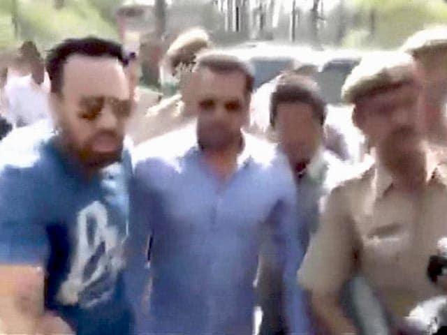 Videos : जोधपुर कोर्ट में पेश होने पहुंचे सलमान खान