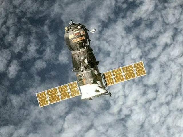 Videos : धरती पर गिरने जा रहा है नियंत्रण से बाहर रूसी अंतरिक्ष यान