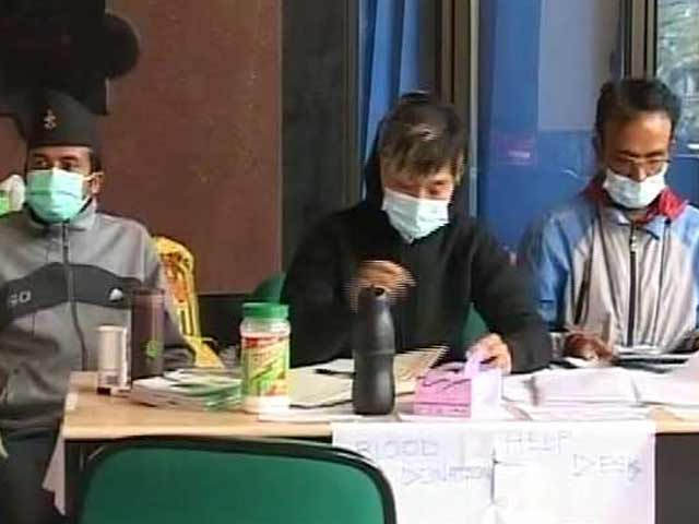 Video : A Nightclub Owner, a Tourist, and a Call Centre Employee Hold Fort at a Government Hospital in Earthquake-Hit Nepal