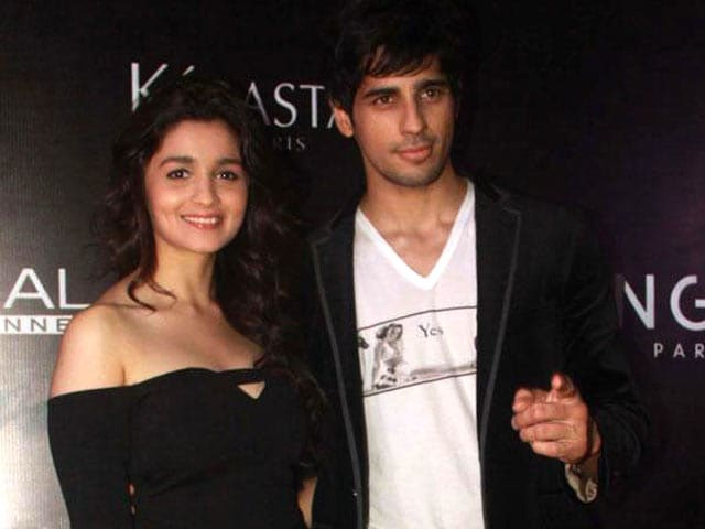 Video : Alia Bhatt, Sidharth Malhotra to Star as Married Couple in Ad