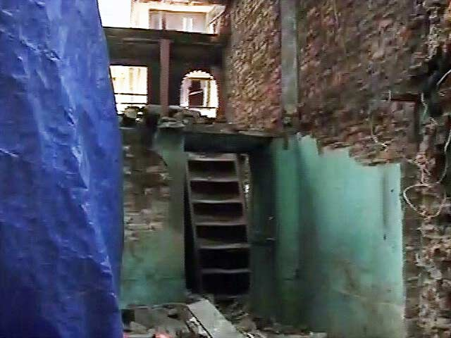 Videos : नेपाल में भूकंप से तबाह मकानों का जायजा