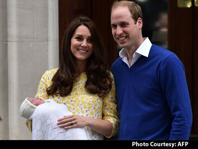 Video : Prince William And Kate Show Off Newborn Princess