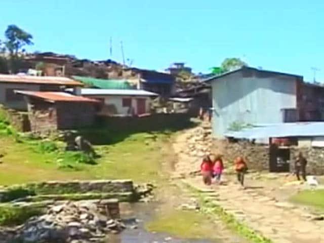 Videos : भूकंप से तबाह हुआ नेपाल का गोरखा ज़िला