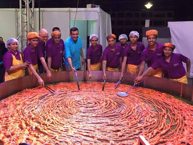 Video : Have a Sweet Tooth? World's Largest Jalebi, Made in Mumbai, Weighs 18 KG