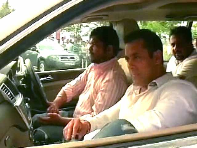 Videos : खबरों की खबर : सलमान खान पर लगा करोड़ों का दांव