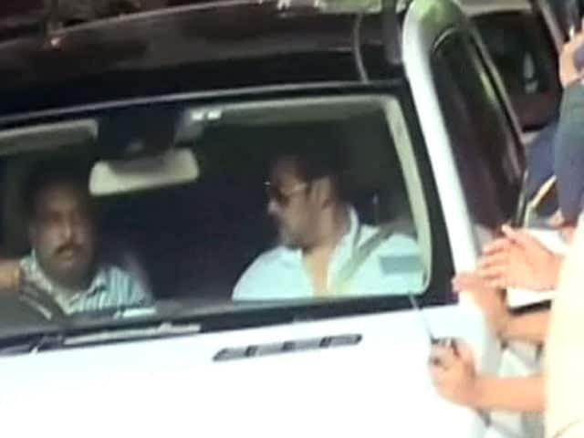 Video : जेल नहीं जाएंगे सलमान खान, हाईकोर्ट ने लगाई सजा पर रोक