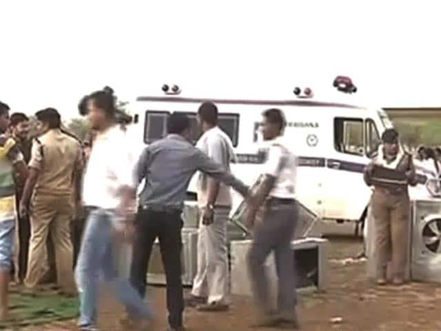 Videos : रायपुर में गिरा मंच, पीएम मोदी का दौरा हुआ रद्द