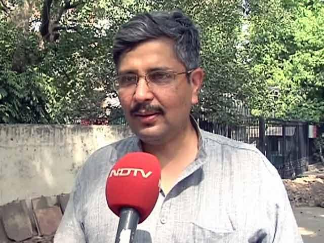 Videos : दिल्ली सरकार ने गुटखा खाने और मीडिया से बात करने के चलते सचिव को हटाया