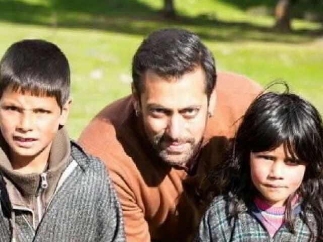 Videos : कश्मीर लौटे सलमान भारी सुरक्षा के बीच कर रहे हैं बजरंगी भाईजान की शूटिंग