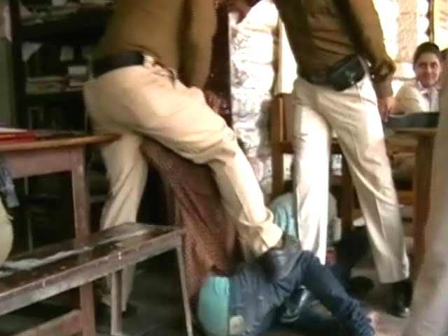 Videos : स्पीड न्यूज : थाने में युवक की बेरहमी से पिटाई का वीडियो आया सामने