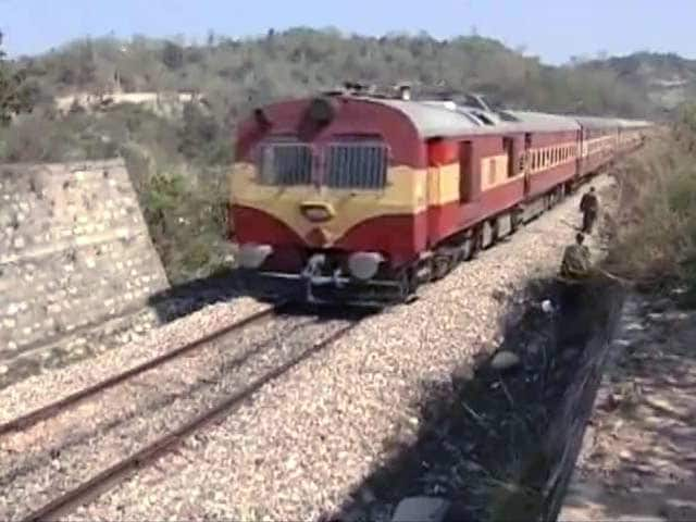 Video : Court Gives Centre One Month to Reply on Alleged Faulty Rail Line in Jammu and Kashmir