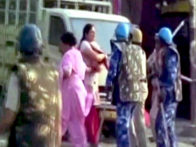 Videos : स्पीड न्यूज : हरियाणा में प्रदर्शन कर रहे शिक्षकों पर लाठीचार्ज