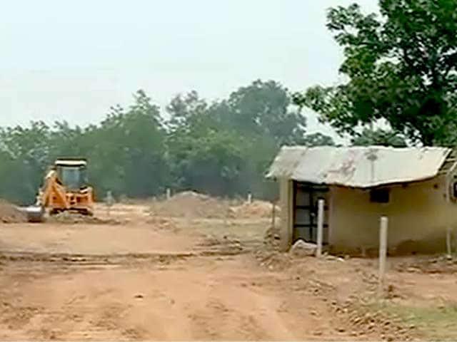 Videos : पंजाब के डिप्टी सीएम सुखबीर बादल के रिसॉर्ट के लिए सरकारी पैसों से बनी 29 करोड़ की सड़क!