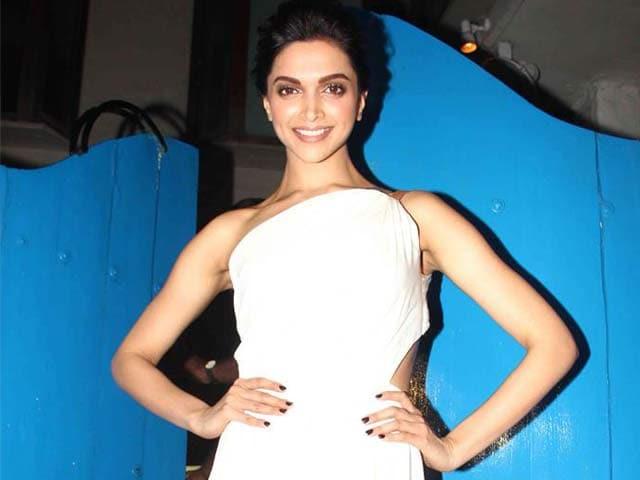 Video : Deepika's Party Draws A-Listers, but Ranbir-Katrina are no-Show