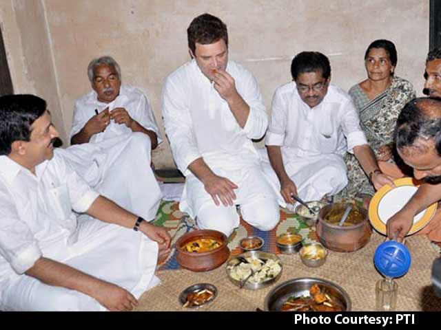 Video : Rahul Gandhi Enjoys 'Tasty Fish' Lunch at Fisherman's House in Kerala