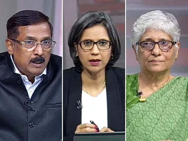 Video : Smriti Irani Dares Rahul Gandhi for Debate: Amethi Battle Spills Over?
